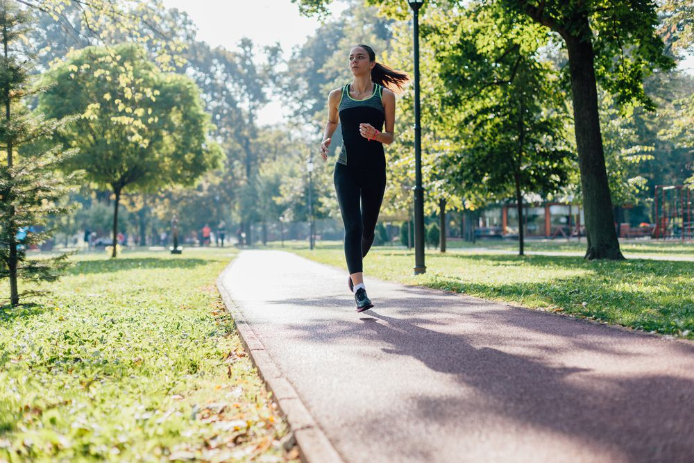 corredor pensando se está pronto para a meia maratona